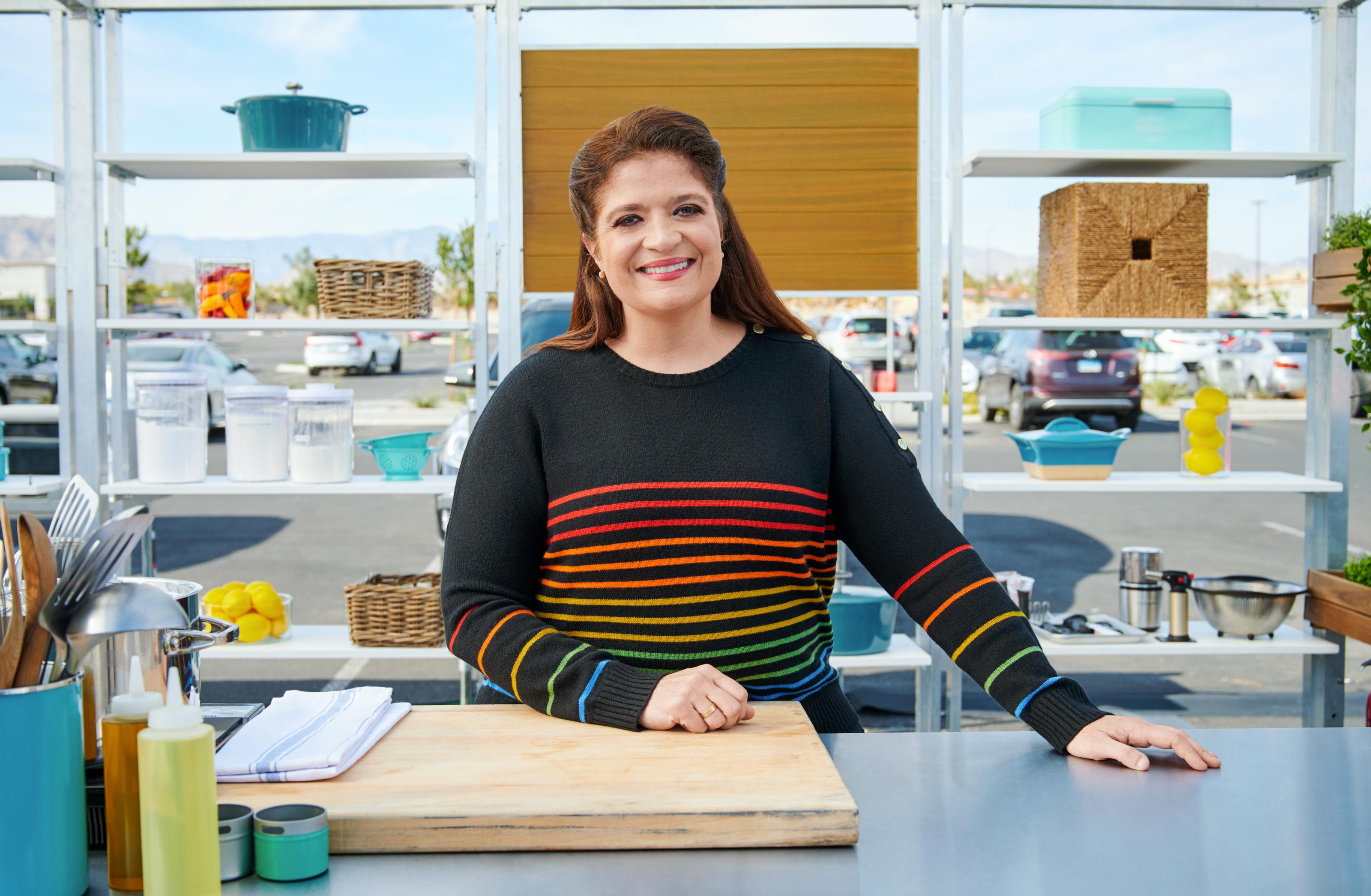 Alex Guarnaschelli Joins Anne Burrell On Worst Cooks In America