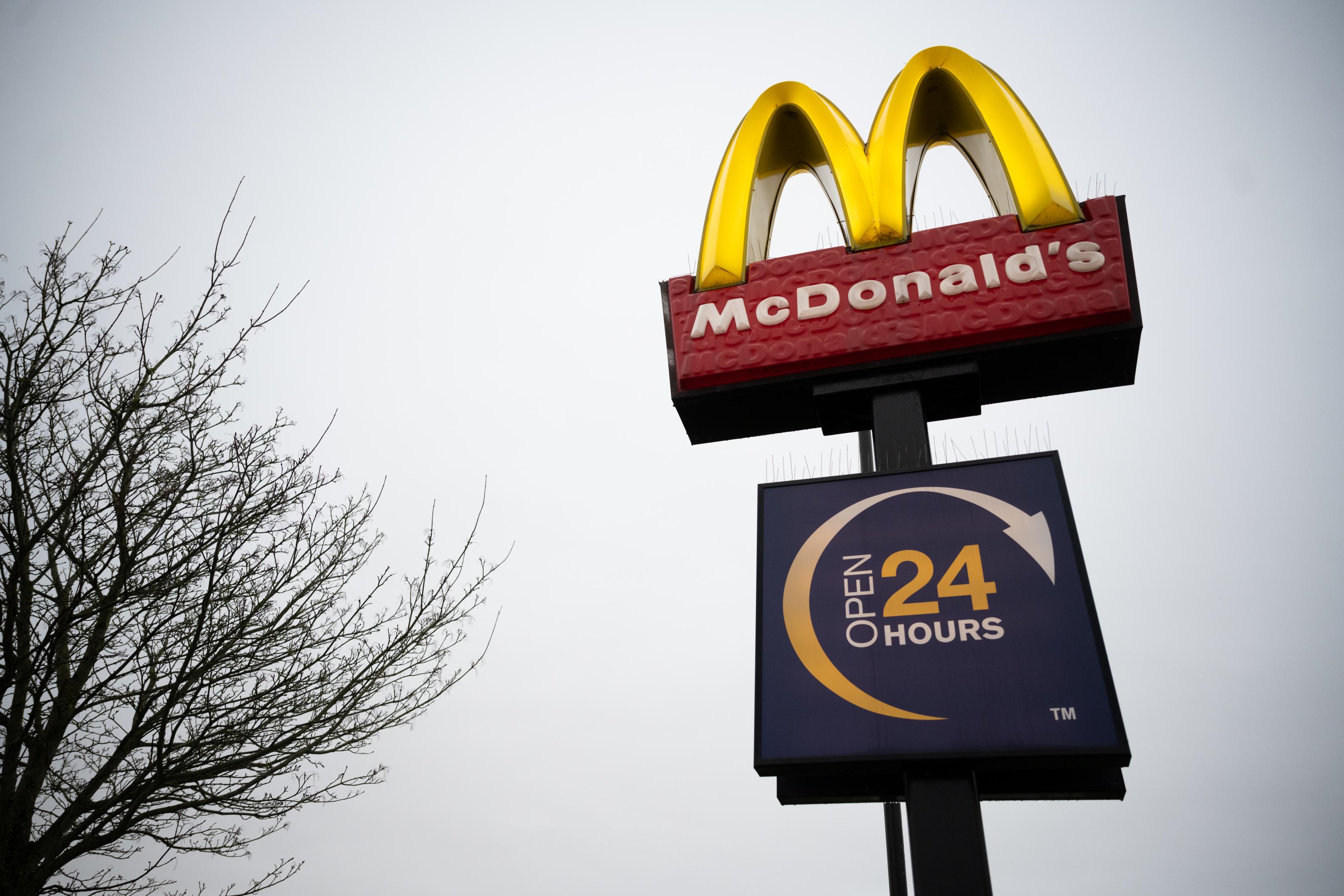 Are Mcdonald S Restaurants Open On Christmas Eve 2020